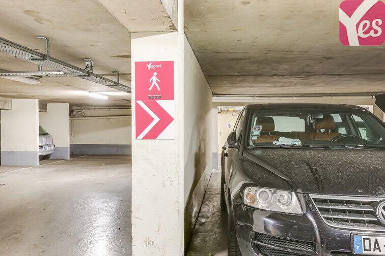 Parking Pierrefitte-sur-Seine - Jacques Prévert pas cher