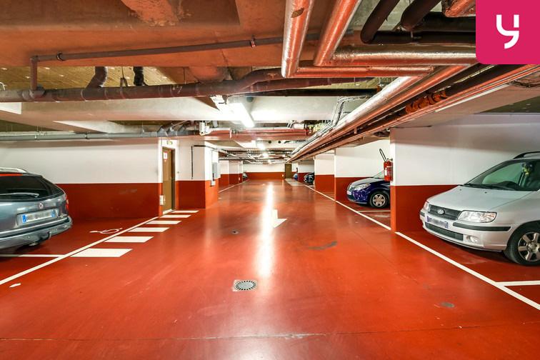 Le parking est spacieux. On y circule très facilement.