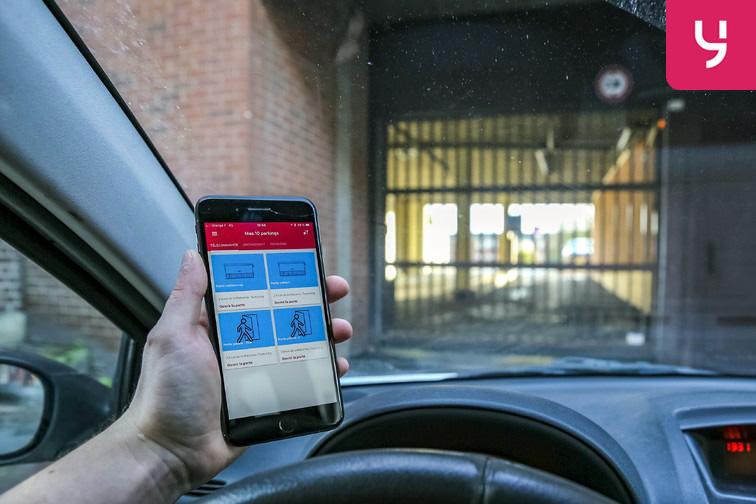 Entrez dans le parking en utilisant l'application mobile Yespark ;)