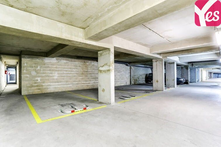 Parking Gare de Plaisir Grignon pas cher