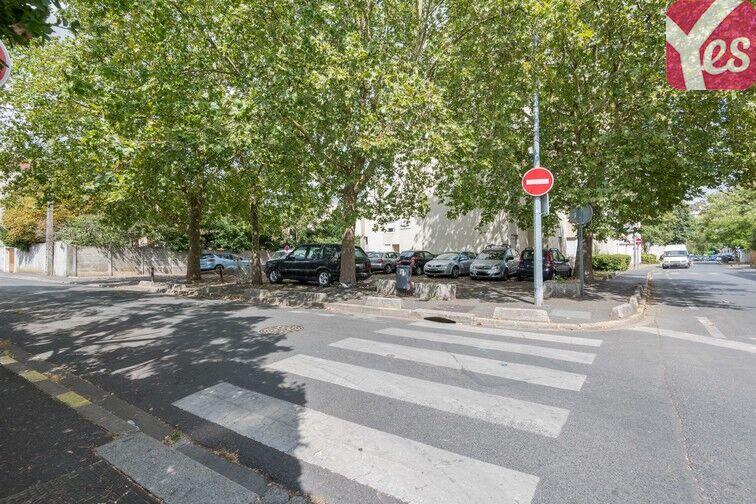 Parking Rue Hoche - Centre-ville - Houilles sécurisé