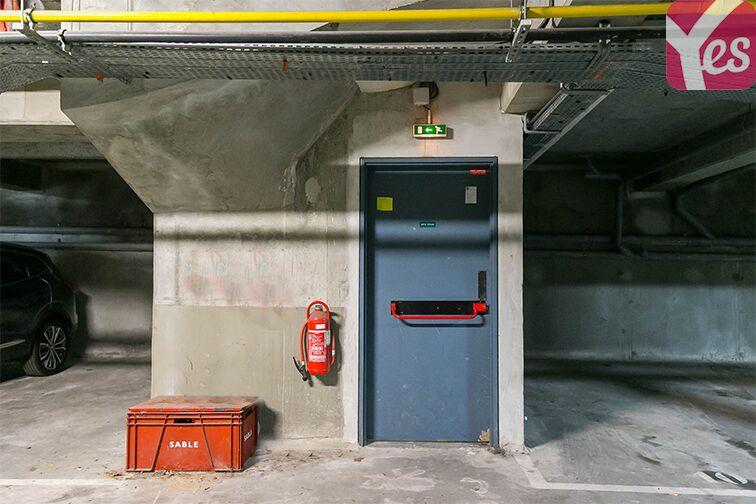 Parking Le Manet garage