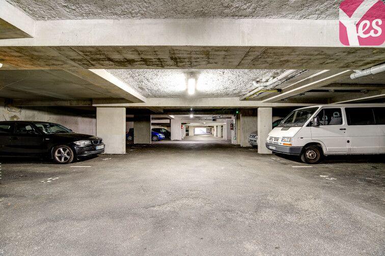 Parking Piscine de l'Axe Majeur - Nantes Erdre sécurisé