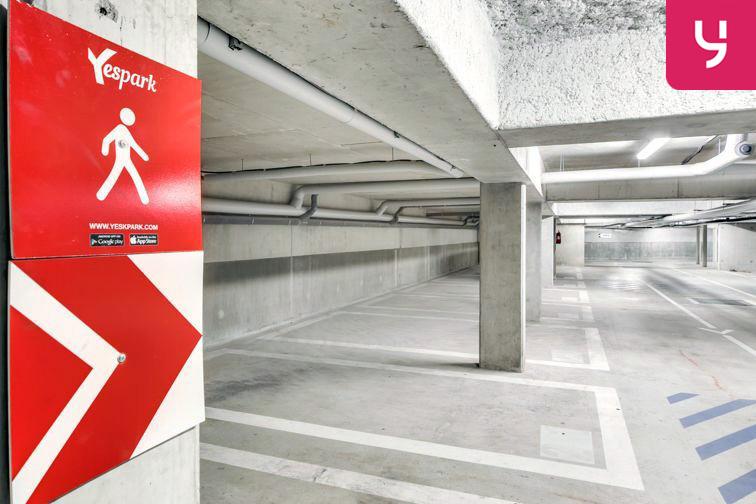 location parking François Mauriac