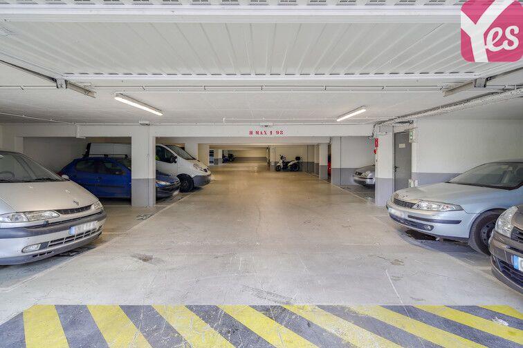 Parking Métro Asnières - Gennevilliers - Les Courtilles garage