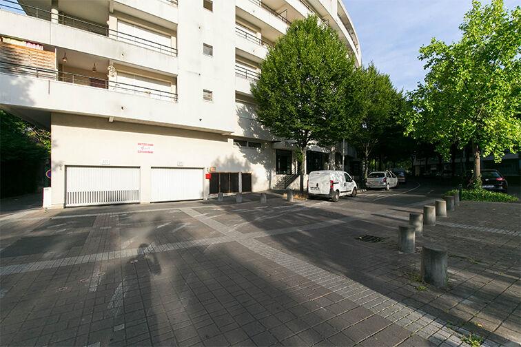 Location parking Gare de Nanterre Préfecture