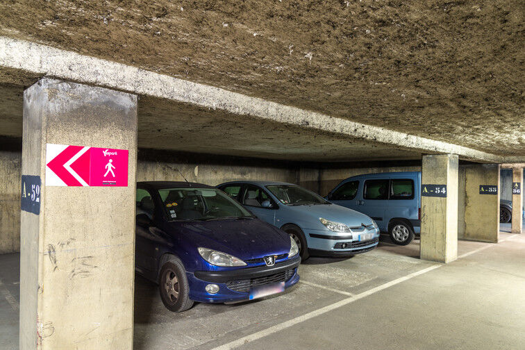 Parking Barbès - Château Rouge - Paris 18 à louer