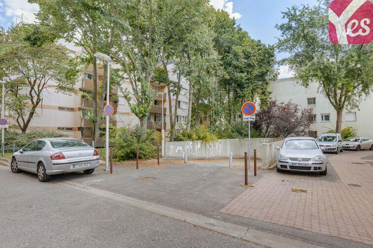 Parking Place Camille Desmoulins - Villepinte sécurisé
