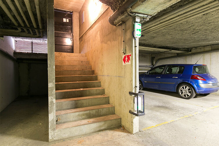 Parking Courcouronnes - Mairie Annexe garage