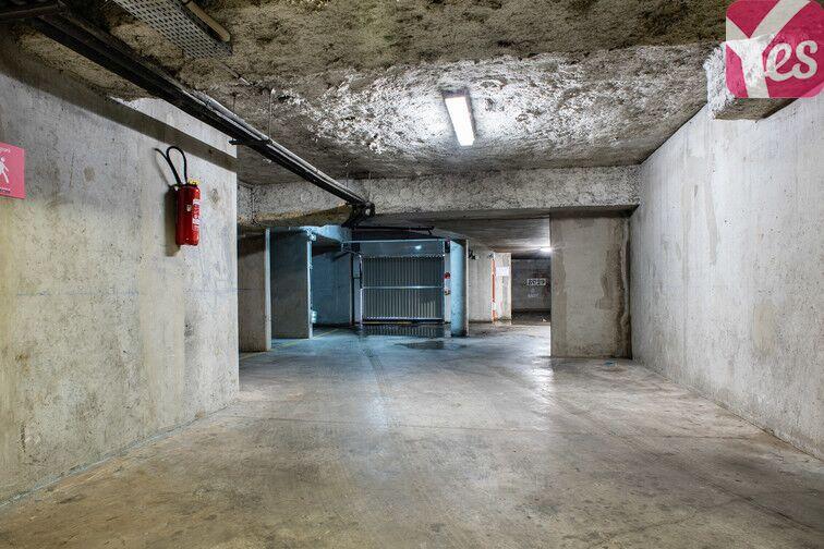 Parking Gare - Zone d'activités du Commandant Rolland - Le Bourget garage