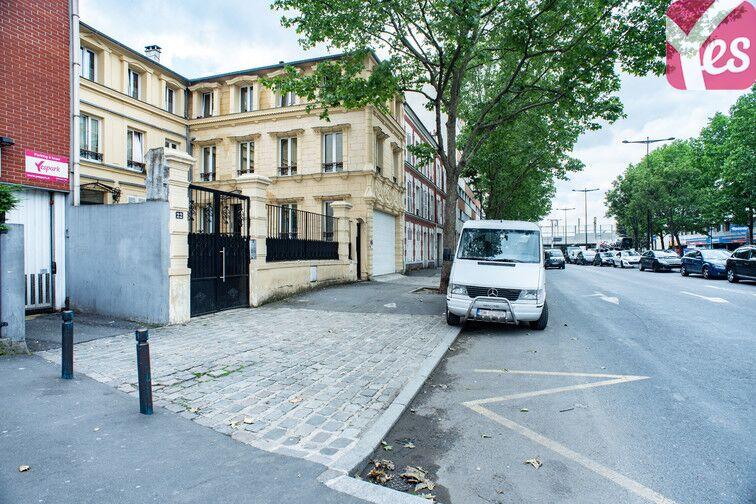 Parking Gare - Zone d'activités du Commandant Rolland - Le Bourget à louer