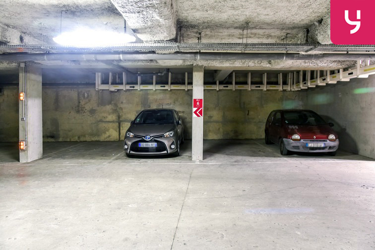 location parking Métro Danube - Paris 19