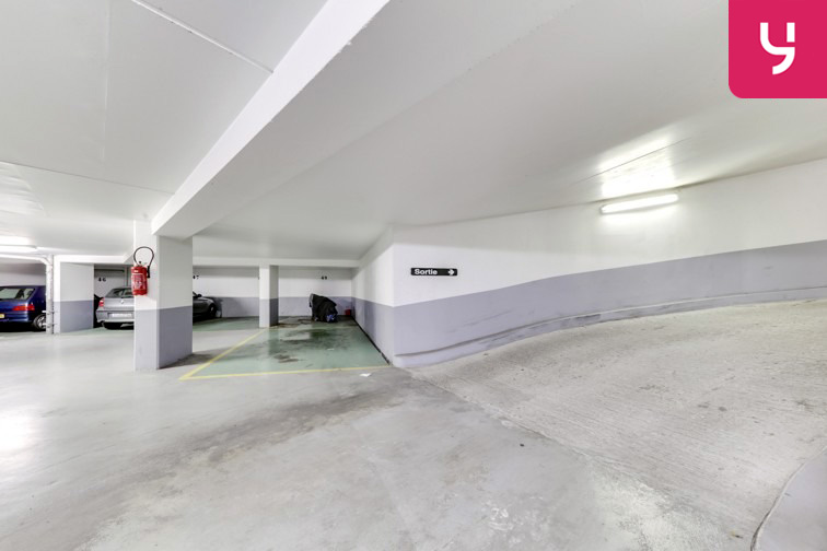 Parking Le Kremlin-Bicêtre Metro (place moto) sécurisé