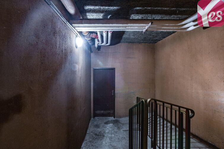 Parking Cimetière de Clichy souterrain