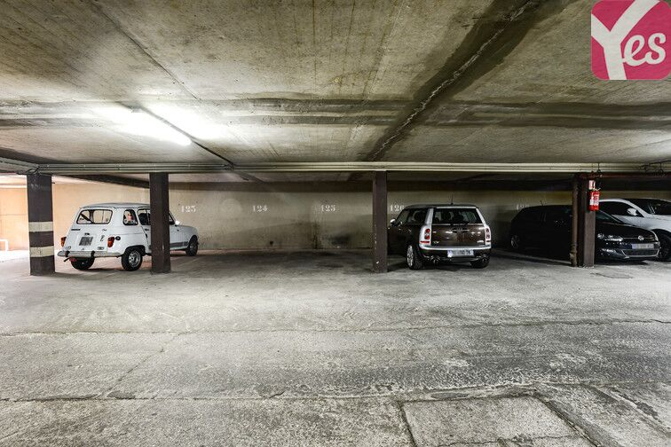 Parking Cimetière de Clichy gardien