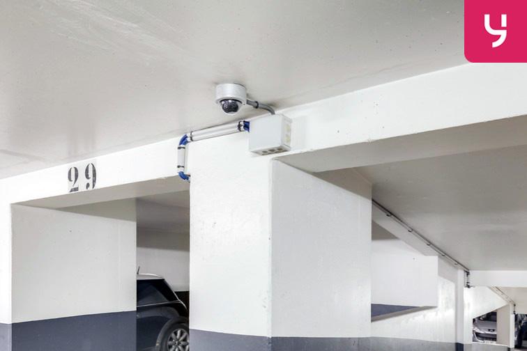 Parking Champerret - Porte d'Asnières - Levallois-Perret (place moto) gardien