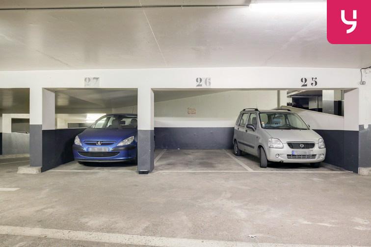 Parking Champerret - Porte d'Asnières - Levallois-Perret (place moto) 24/24 7/7