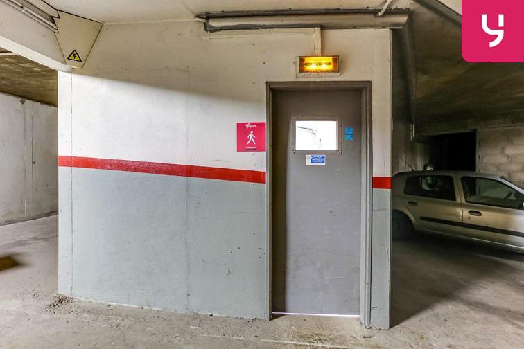 Parking Les Hauts-de-Cergy - Rue de la Parabole - Cergy (box) à louer
