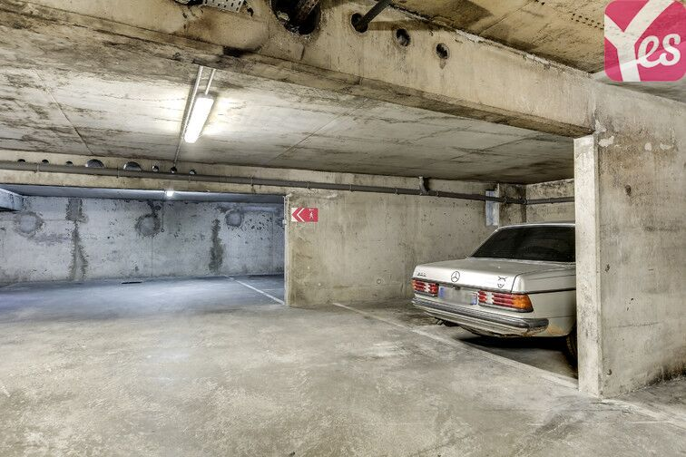 Parking Hôpital Charles-Foix - Ivry-sur-Seine garage