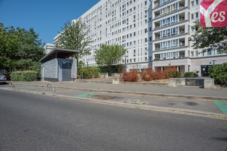 Parking Mairie de Villeneuve- la-Garenne (aérien) sécurisé
