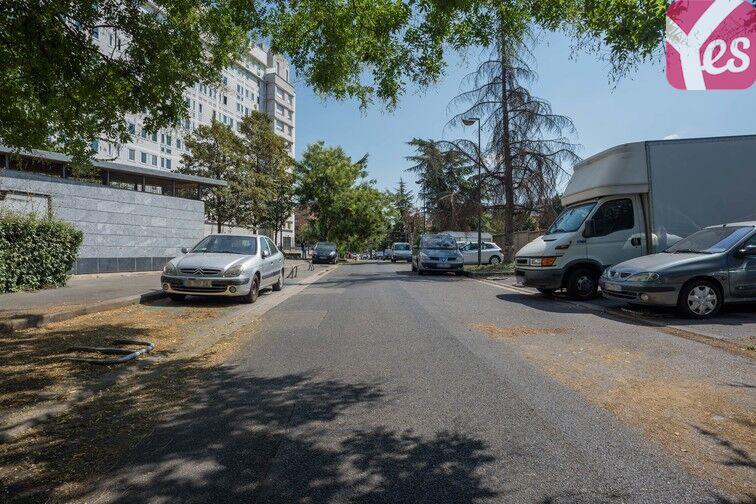 Parking Mairie de Villeneuve- la-Garenne (aérien) pas cher