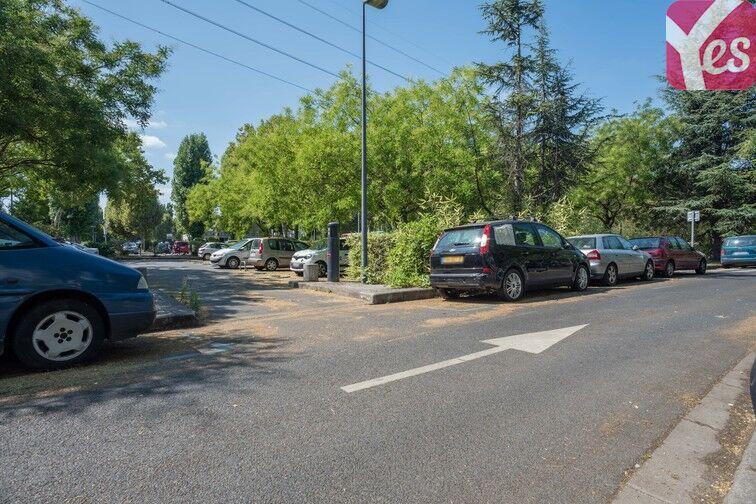 Parking Mairie de Villeneuve- la-Garenne (aérien) avis