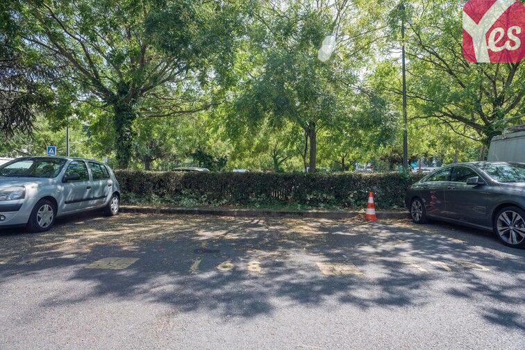 Parking Mairie de Villeneuve- la-Garenne (aérien) 24/24 7/7