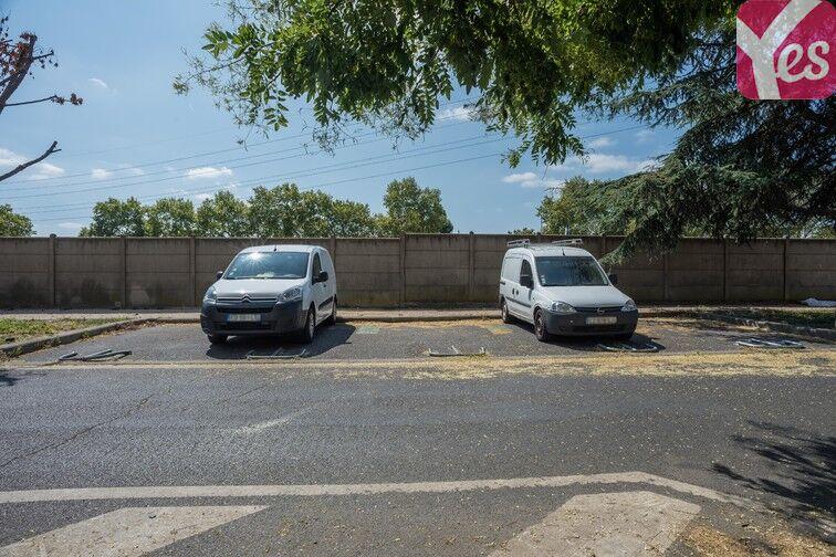 Parking Mairie de Villeneuve- la-Garenne (aérien) 92390