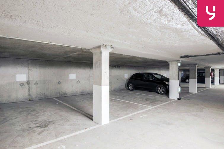 Parking Rue des Quatre Vents - Voisins-le-Bretonneux (place moto) 24/24 7/7