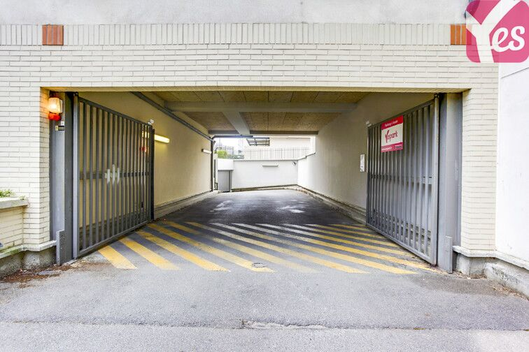 Parking Gare de Massy - Palaiseau Massy TGV box