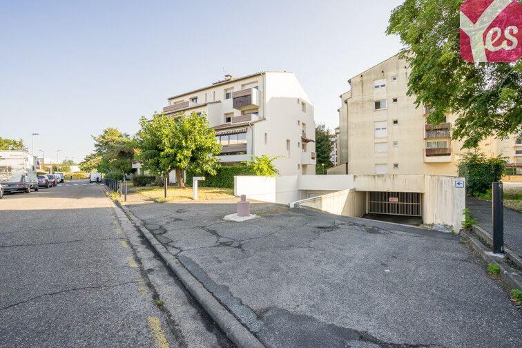 Parking Centre Hospitalier Pellegrin - Bordeaux 33000