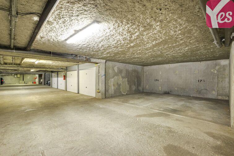 Parking Europe - Place des Alpes - Guyancourt (Gauche) avis
