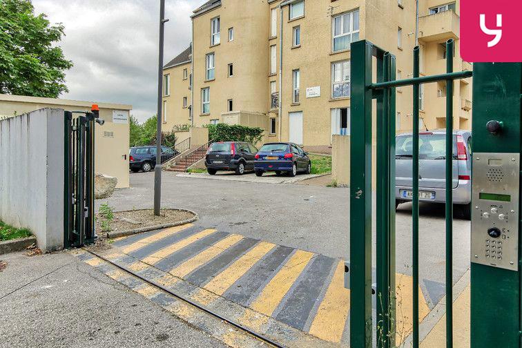 Parking Rue Joachim du Bellay - Saint-Jean - Beauvais (aérien) gardien