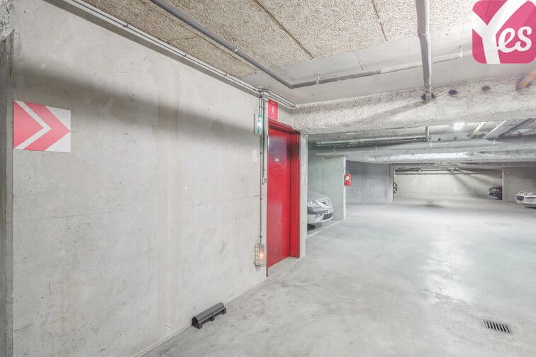 Parking Gare RER Issy location