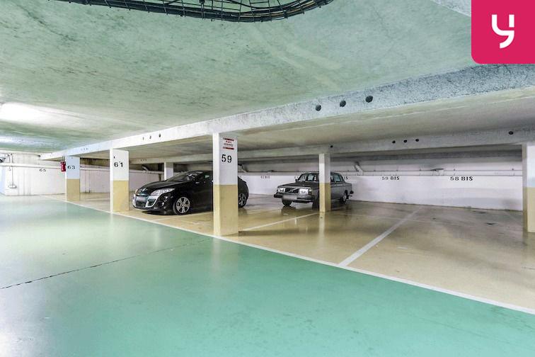Parking Versailles - Montreuil - rue Bazin (place double) gardien