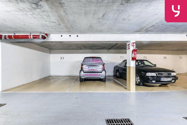 Parking Versailles - Montreuil - rue Bazin (place double) en location