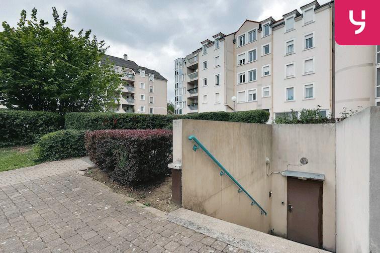 Parking Versailles - Montreuil - rue Bazin (place double) 35 rue Bazin