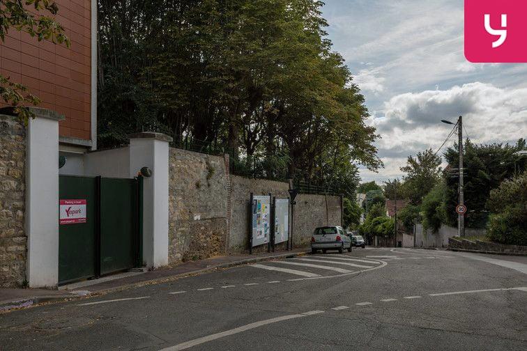 Parking Ormeaux - Renards - Fontenay-aux-Roses - Places motos pas cher