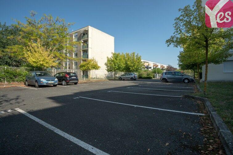 Parking Hôpital Haut-Lévêque - Pessac box