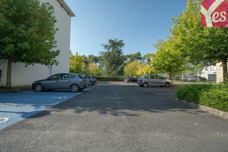 Parking Hôpital Haut-Lévêque - Pessac pas cher