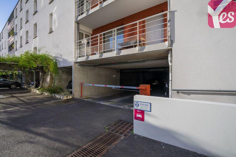 Parking Victor Hugo - Saint-Augustin - Bordeaux pas cher