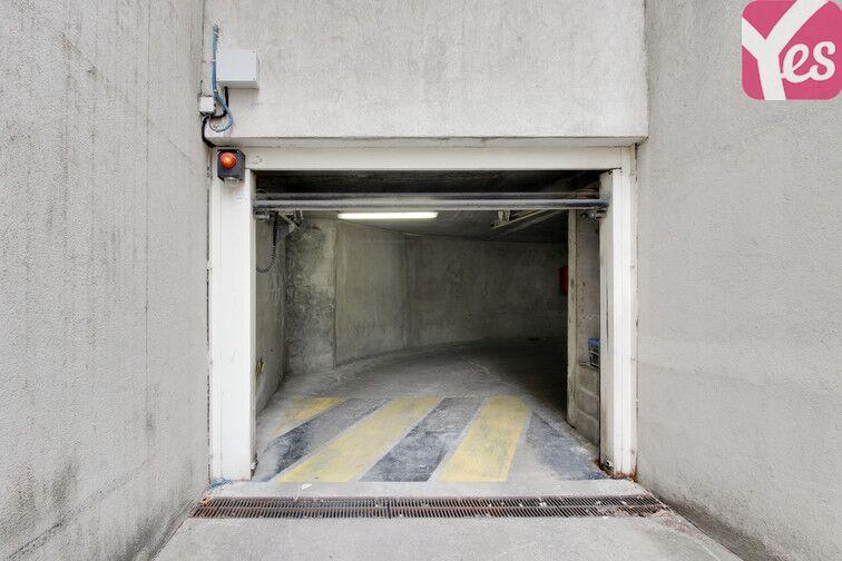 Parking Place Julien Duret - Lyon 8 garage