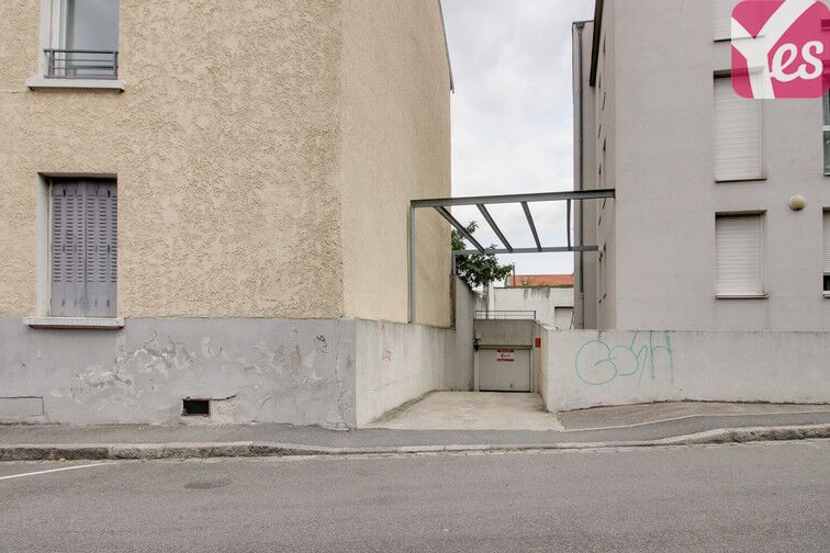 Parking Place Julien Duret - Lyon 8 pas cher
