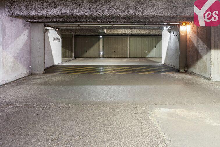 Parking Frères Lumières - Lyon 8 location