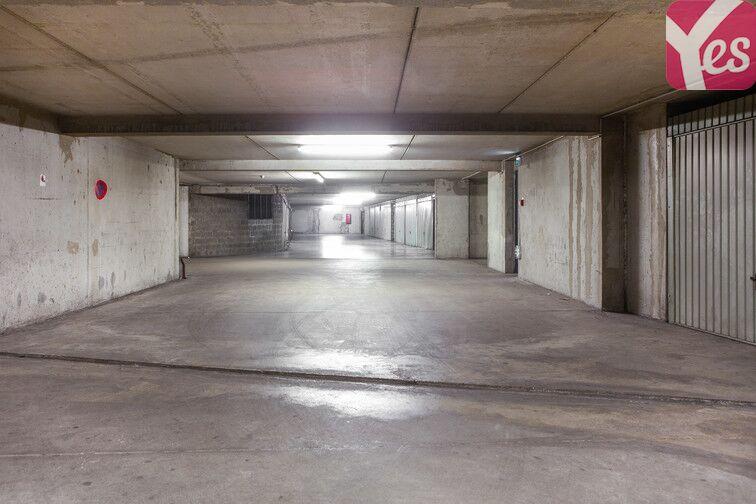 Parking Frères Lumières - Lyon 8 150 avenue des Frères Lumières