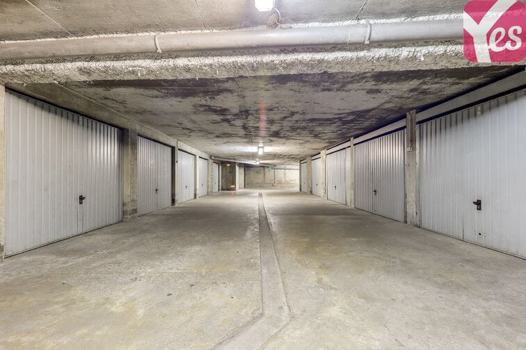 Parking Rochecardon - Industrie - Lyon 9 avis