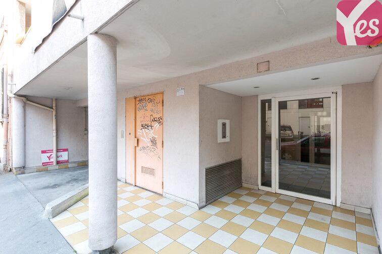 Parking Rochecardon - Industrie - Lyon 9 pas cher
