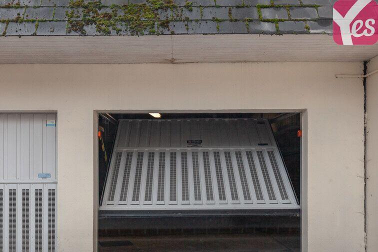 Parking Lycée François Truffaut - Beauvais garage