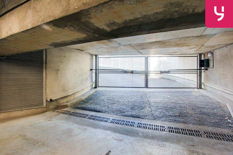 Parking Centre-ville - Bourg-La-Reine (place moto) gardien
