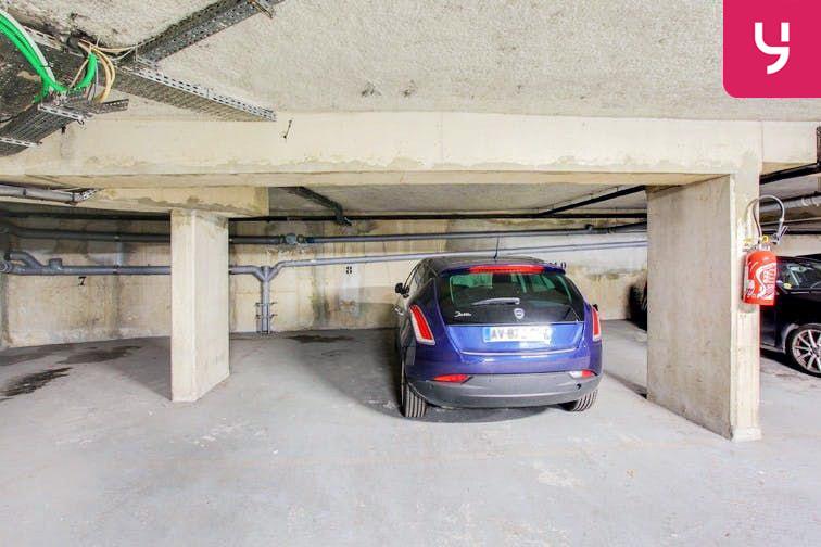 Parking Centre-ville - Bourg-La-Reine (place moto) garage